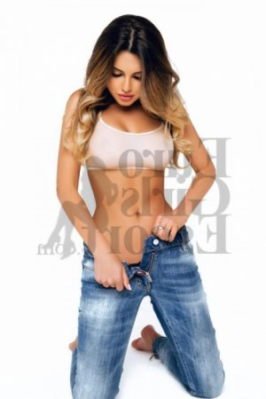 Florita escort in Parma