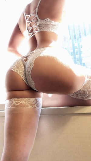 Nanette escorts in Overlea
