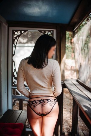 Simonette busty escort in Lakeville