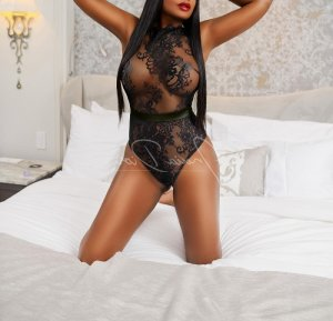 Laurina busty escorts